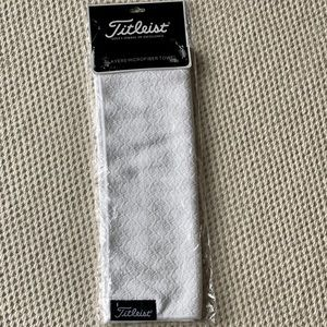 The Titleist Players Microfiber Golf Towel White
